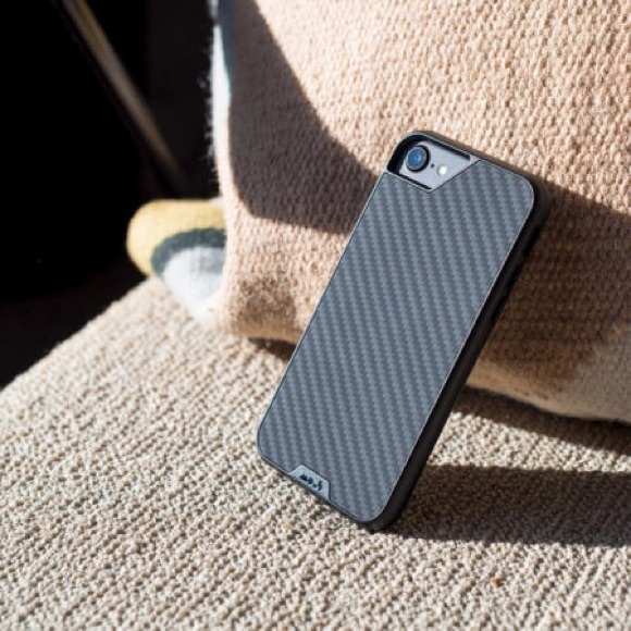 huge selection of 76780 a992b Mous iPhone 8 Carbon Fiber case